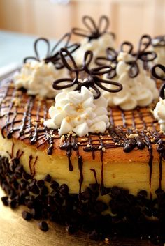 Brown Sugar Cookie Crust Cheesecake - Recipes, Dinner Ideas, Healthy Recipes & Food tips cooking guide Food Cakes, Cupcake Cakes, Cupcakes, Brown Sugar Cookies, Chocolate Chip Cookies, Cheesecake Recipes, Dessert Recipes, Recipes Dinner, Cookie Cheesecake