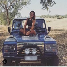 """101 Likes, 2 Comments - Defender❤️Girls D-125 (@defendergirls) on Instagram: """"#defender #landrover #landroverdefender #love #girl #girls #defender110 #defender90 #defender130…"""""""