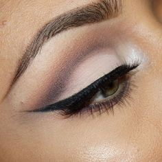 """Soft cut crease using @loraccosmetics pro palettes in 1 and 2"""