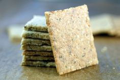 Keto Salt and Pepper Crackers are the perfect paleo snack. Made with just 4 ingredients --almond flour, egg, salt, and pepper, they're crunchy and low-carb! Keto Crackers Recipe, Gluten Free Crackers, Gluten Free Baking, Gluten Free Recipes, Low Carb Recipes, Real Food Recipes, Diet Recipes, Flour Recipes, Sweets