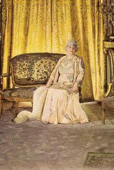 Grace Wilson Vanderbilt ( Mrs. Cornelius Vanderbilt III ) in the Salon of her great New York town house at 640 Fifth Avenue, in 1940. Contributor's collection.