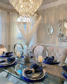 Dining Room Decor - Get the Modern Dining Room Furniture For Your Home Dining Room Table Decor, Elegant Dining Room, Luxury Dining Room, Beautiful Dining Rooms, Deco Table, Decoration Table, Dining Room Design, Dining Room Furniture, Antique Furniture