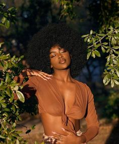 beautiful black women models in bathing suits Black Girl Aesthetic, Beige Aesthetic, Aesthetic Beauty, Pelo Afro, Beautiful Black Girl, Pretty Black Girls, Beautiful Gorgeous, Beautiful Gowns, Gorgeous Women