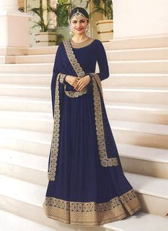 Bollywood diva prachi desai navy blue partywear anarkali suit online which is crafted from georgette fabric with exclusive zari embroidery and stone work. This stunning designer anarkali suit comes with santoon bottom, santoon inner and chiffon dupatta. Abaya Fashion, Fashion Mode, Indian Fashion, 50 Fashion, Fashion Styles, Style Fashion, Fashion Online, Silk Anarkali Suits, Anarkali Gown