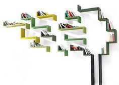 Ấn tượng và độc đáo với những thiết kế đầy sáng tạo của các mẫu tủ tài liệu treo tường. Chỉ đơn giản là những đường zic zac nhưng lại mang đến cảm giác mới lạ, đầy sức hút đối với không gian nội thất gia đình. Với loại tủ tài liệu treo tường này, bạn có thể tiết kiệm không gian lưu trữ đồ và sáng tạo nên những họa tiết trang trí như mình muốn.