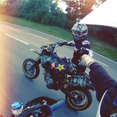 Motard and supermoto goes hand in hand with a nice bro-fist!