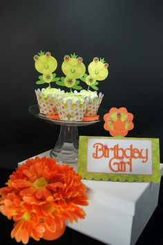PRINCESS PARTY: Cupcake Wrappers, Picks & Placecard