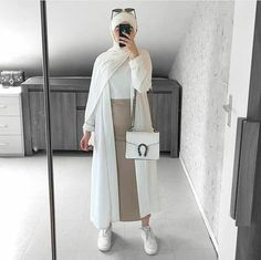 mentions J'aime, 17 commentaires - Hijab Fashion (Hijab Fashion and Styl. mentions J'aime, 17 commentaires – Hijab Fashion (Hijab Fashion and Styles.modern) sur In Hijab Fashion Summer, Modern Hijab Fashion, Hijab Fashion Inspiration, Muslim Fashion, Modest Fashion, Fashion Outfits, Fashion Ideas, Hijab Casual, Hijab Chic