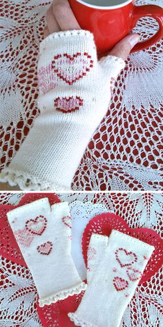 Free Knitting Pattern for Sweetheart Beaded Glovelets - Fingerless mitts with a pretty picot cuff and beaded hearts. Designed by The Rainey Sisters. Loom Knitting, Knitting Patterns Free, Free Knitting, Crochet Patterns, Fingerless Gloves Knitted, Knit Mittens, Small Knitting Projects, Sport Weight Yarn, Yarn Crafts