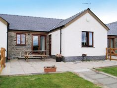 The Calf Suite - pet friendly coastal cottage in Aberystwyth, sleeps 5 plus one pet welcome - West Wales Holiday Cottages