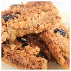 Flapjacks (gluten-free, dairy-free & sugar-free) Coconut Oil + Honey + Oats + anything else xD
