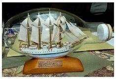 Barco en botella de Joaquín Bejarano.
