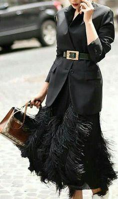 All Black Outfit / Streetstyle Fashion / Fashion Week . Very black outfit / street style fashion / fashion week Week , All black outfit / Street style fashio. Fashion Mode, Fashion Blogger Style, Party Fashion, Trendy Fashion, Winter Fashion, Fashion Trends, Fashion Ideas, Fashion Clothes, Fashion 2017