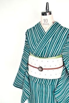 ☆新商品UP☆10月29日(土) Yukata Kimono, Kimono Outfit, Kimono Fabric, Kimono Fashion, Japanese Outfits, Japanese Fashion, Asian Fashion, Japanese Beauty, Traditional Kimono