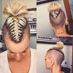 Pixie Undercut, Undercut Women, Undercut Mohawk, Mohawk Hairstyles For Women, Curly Mohawk Hairstyles, Shaved Hairstyles, Pixie Haircuts, Short Hair Cuts, Short Hair Styles