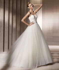 Modern Ball Gown Floor-Length Court Train Sweetheart Organza Wedding Dresses 2014 Spring Trends