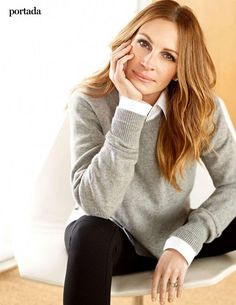 Julia Roberts - Yo Dona Magazine (Spain) February 2015 Issue, Julia Roberts Style, Outfits and Clothes. Julia Roberts Style, Eric Roberts, Julia Roberts Hair, Business Portrait, Personal Branding, Michelle Obama, Office Hairstyles, Photo Poses, Mannequins