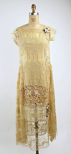 Wedding Dress  Boué Soeurs  (French)  Date: 1927 Culture: French Medium: linen, cotton, silk