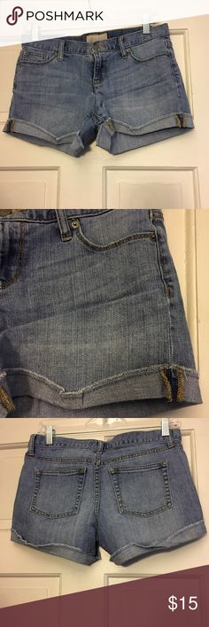 "Stretch denim cuffed jeans Stretch light wash denim Jean shorts. 2"" inseam. Cuffed once. Banana Republic Shorts Jean Shorts"