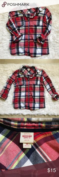 Red Flannel SZ Small This cozy red plaid flannel from Mossimo is pre-owned and in excellent condition. It comes in a women's size small. Mossimo Supply Co. Tops Button Down Shirts