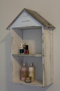 Washed grey wood beach hut 2 shelf unit