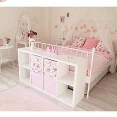 Baby bedroom furniture - A little bit cool when Alayna gets a small order alayna little order small Genel Baby Bedroom Furniture, Bedroom Decor, Bedroom Ideas, Baby Girl Room Decor, Baby Decor, Daughters Room, Big Girl Rooms, Bedroom Vintage, Vintage Decor