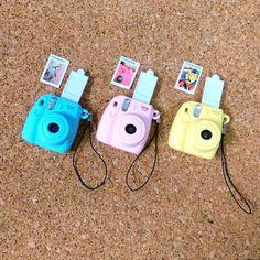 Fujicolor Super HR 100 Fujifilm Disposable Camera Small Key Chains Mini Camera Accessory Decoration - Instax Camera - ideas of Instax Camera. Trending Instax Camera for sales. Instax Mini Camera, Fujifilm Instax Mini 8, Mini 8 Camera, Cute Polymer Clay, Polymer Clay Crafts, Mini Choses, Photo Polaroid, Mini Polaroid, Polaroid Cameras