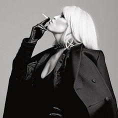 Icon - Amanda Lear