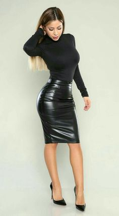 Tight Dresses and Hot Messes: Photo Hot Outfits, Fashion Outfits, Womens Fashion, Fashion Trends, Dress Outfits, Dress Shoes, Summer Outfits, Tight Dresses, Sexy Dresses