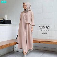 Bismillah Tunik Fairuz Bahan : piskos Ld : 108 cm Pb : 100 cm by rasmara Abaya Fashion, Modest Fashion, Fashion Dresses, Hijab Style, Hijab Chic, Mode Abaya, Mode Hijab, Moslem Fashion, Muslim Dress