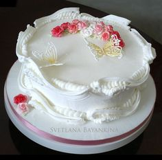 (Royal icing) English tradition decorating cakes.