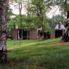 1970s brick modernism