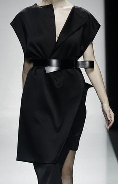 love the asymmetry of this.  Gianfranco Ferré