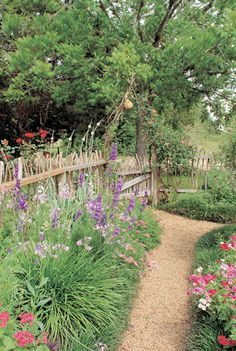 A Guide to Sustainable Landscaping Materials