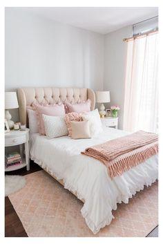 Room Decor Bedroom Rose Gold, Pink Bedroom Design, Home Decor Bedroom, Bedroom Ideas, Design Room, Bedroom Designs, Pink Master Bedroom, White Bedroom, Bedroom Inspiration