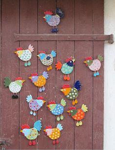 Fantastic Free of Charge easter Ceramics ideas Tips Keramik Hühner zum Schrauben Ceramic Chicken Bird Crafts, Clay Crafts, Easter Crafts, Felt Crafts, Diy And Crafts, Crafts For Kids, Arts And Crafts, Chicken Crafts, Chicken Art