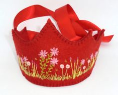 Felt Crown, Felt Gifts, Hand Stitching, Flower Crown, Wool Felt, Pink Flowers, Baby Shoes, Embroidery, Celebrities