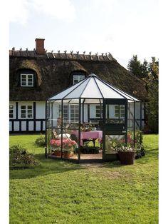 Juliana round green house