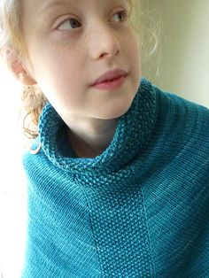 Rosa's Caponcho by Emma Fassio. malabrigo Rios in Teal Feather colorway.