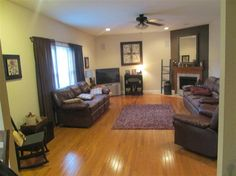 Family Room, Whitetail Court