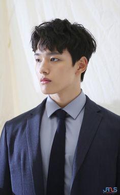 Hot Korean Guys, Korean Men, Handsome Korean Actors, Handsome Boys, Hot Actors, Actors & Actresses, Kim Hee Won, Jin Goo, Seo Kang Joon
