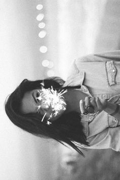 Sparklers in black and white Summer Photography, White Photography, Portrait Photography, Selfie Photography Ideas, Camping Photography, Mountain Photography, Sparkler Photography, Pinterest Photography, Photography Tricks