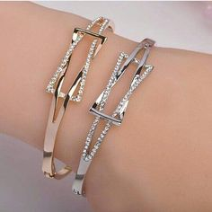 High Quality Rhinestone Crystal Bangle&Bracelet for Women Men Tin Alloy Exquiste Made Luxurious Jewelry Pulseira The Bangles, Gold Bangles, Crystal Bracelets, Jewelry Bracelets, Bangle Bracelet, Charm Jewelry, All About Fashion, Passion For Fashion, Beautiful Gifts