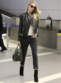 la modella mafia Rosie Huntington Whiteley 2013 model off duty street style in a Balmain leather quilted jacket and cropped jeans 2 I Love Fashion, Autumn Fashion, Fashion Looks, Style Fashion, Fashion Trends, Street Style Inspiration, Style Ideas, Street Style Chic, Beste Jeans