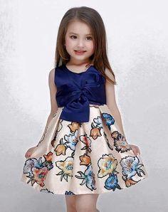 Bowknot front Solid Color Top Flower Print Dress for Kid Girls. Baby Dress Design, Frock Design, Little Girl Dresses, Girls Dresses, Flower Girl Dresses, Dresses For Kids, Dress Anak, Kids Frocks, Kind Mode