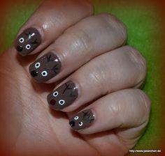 Basecoat: Essence Studio Nails Allround Talent  Farblack: beyu - Creamy Chocolate   Layer: so easy stripe black + white, China Glaze - Ruby Pumps  TopCoat: Sally Hansen No Chip Acrylic Top Coat   http://www.jabelchen.de/2012/12/o-christmas-nails-tag-6_6.html