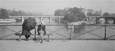 Paris, 1927. Seuphor on the Pont des Arts - André Kertész