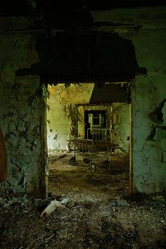 DSC07634 by julianoelle, via Flickr Derelict Places, Abandoned Places, Abandoned Mansions, Abandoned Buildings, Haunted Asylums, Everything Is Falling Apart, Dark City, Other Space, Most Haunted