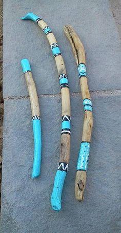 Kreativ This article is not available # painted sticks Painted Driftwood Sticks Spirit Sticks Tips F Spirit Sticks, Painted Driftwood, Driftwood Art, Wood Sticks, Painted Sticks, Driftwood Projects, Stick Art, Walking Sticks, Nature Crafts