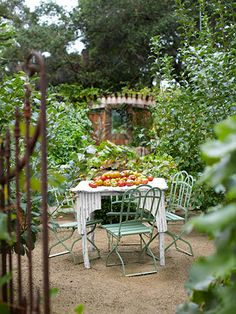 Apple trees serve as living room walls for an outdoor dining room. [Ojai California Ranch House - Greg and Kelley Motschenbacher - Country Living] Outdoor Seating Areas, Outdoor Rooms, Outdoor Dining, Outdoor Gardens, Outdoor Decor, Garden Seating, Outdoor Furniture, Home Design, Porches